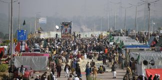 Faizabad sit-in enters 18th day