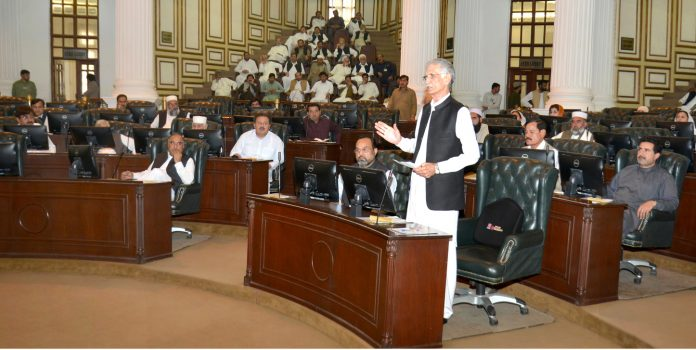 KP opposition members decide to bring no-confidence motion against CM Khattak