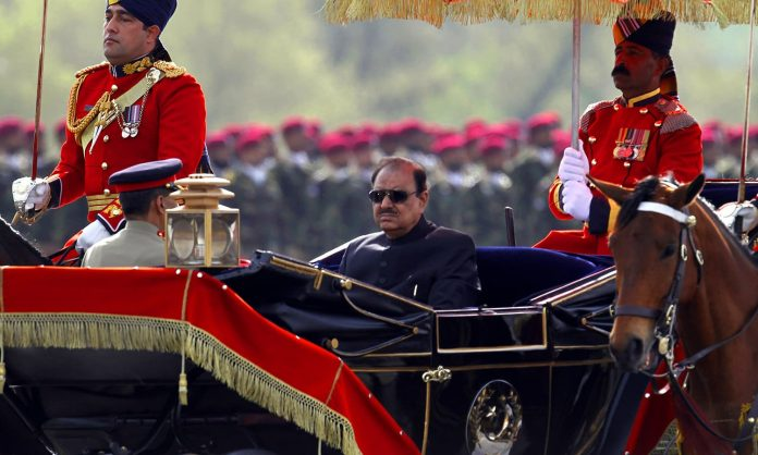 President Mamnoon urges nation to strive for progress, prosperity