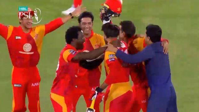 Islamabad United beat Peshawar Zalmi, lift trophy of PSL-3