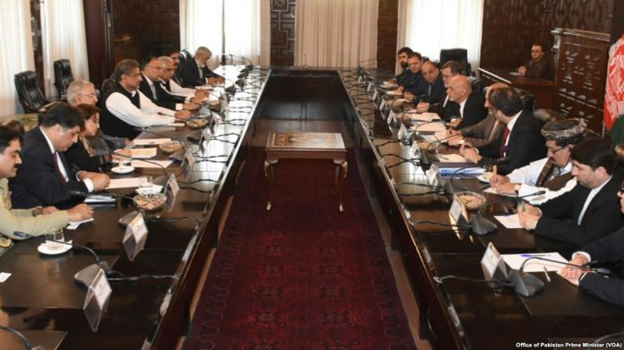 Pakistan, Afghanistan vow not to violate each other's ground & air space