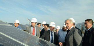 CJP takes notice of Quaid-e-Azam solar power plant, power companies