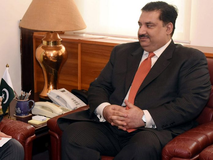 Pak believes in policy of peaceful co-existence with all neighbours: Dastgir