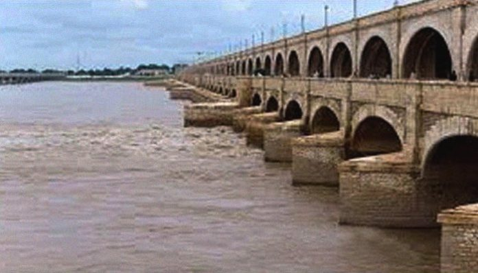 Four bodies stowed in bags recovered from Sukkur Barrage
