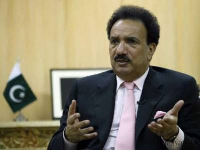 Rehman Malik refutes police claims of summoning Sahiwal incident victim families