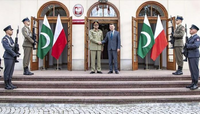 COAS meets Polish defence minister, military leadershiP
