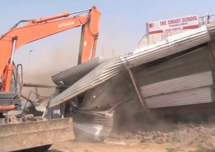 Anti-encroachment drive continues in Karachi