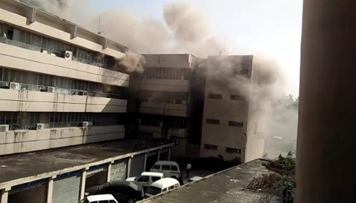 Major fire erupts at PID building in Islamabad
