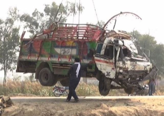 Eight killed, 19 injured as truck overturns in Lahore