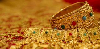 Gold price increases by Rs2300 per tola in last week