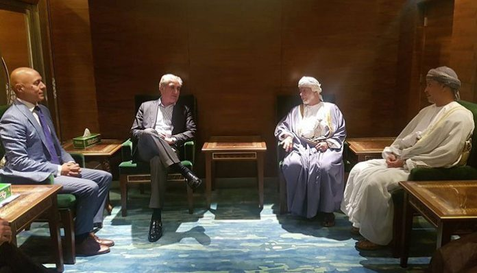Foreign Minister Shah Mehmood Qureshi, who is in Oman on a two-day visit to the country, met with Omani Minister of Royal Office General Sultan bin Mohammed al-Naamani in Muscat.