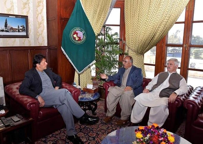 PM Imran Khan meets CM, Governor Khyber Pakhtunkhwa