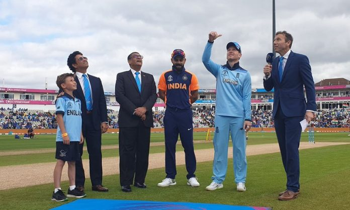 England opt to bat first in World Cup clash against India