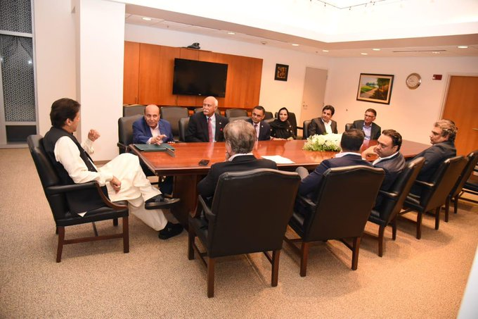 PM invites US businessmen to benefit from investment opportunities in Pakistan
