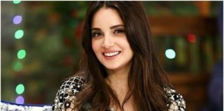Armeena Khan announces she is tying the knot