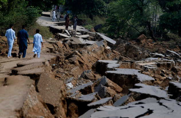 32 injured as earthquake aftershocks jolt Azad Kashmir