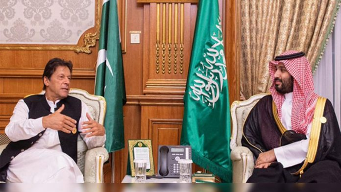 PM Imran meets Saudi crown prince, briefs him on Kashmir situation
