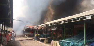 300 stalls gutted as fire engulfs Peshawar Mor's Sunday Bazaar