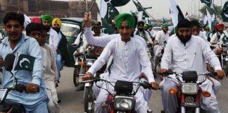 Sikh motorbike riders exempted from wearing helmet in Peshawar