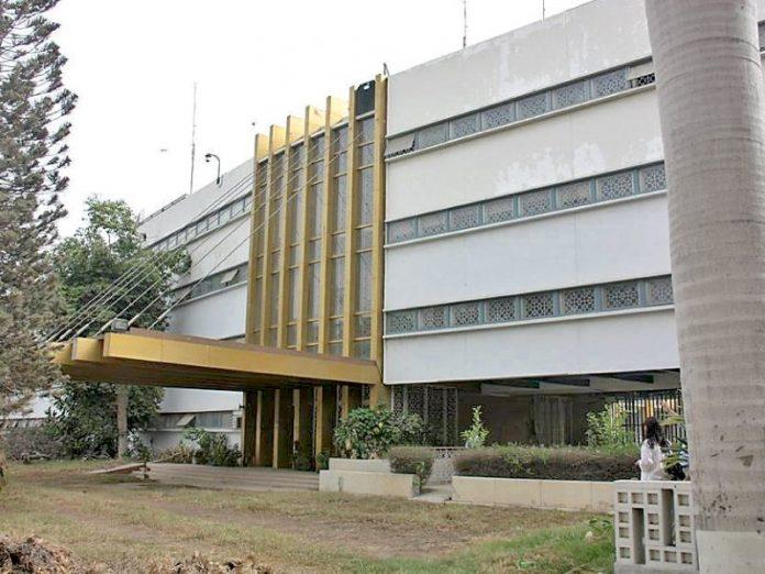 Security enhanced for US, Iranian consulates in Karachi