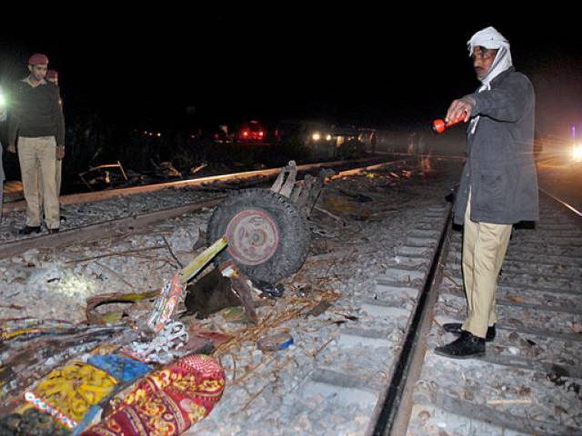 22 killed as passenger train collides with bus in Sukkur