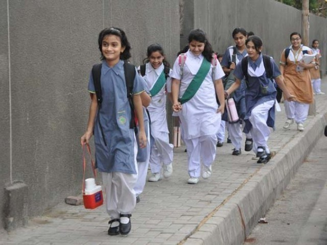 Private Schools reject govt decision, demand immediately reopening of schools