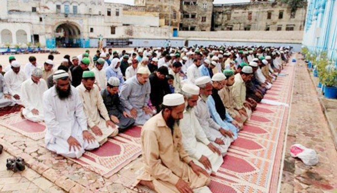 Coronavirus: KP govt restricts number of worshippers in mosques