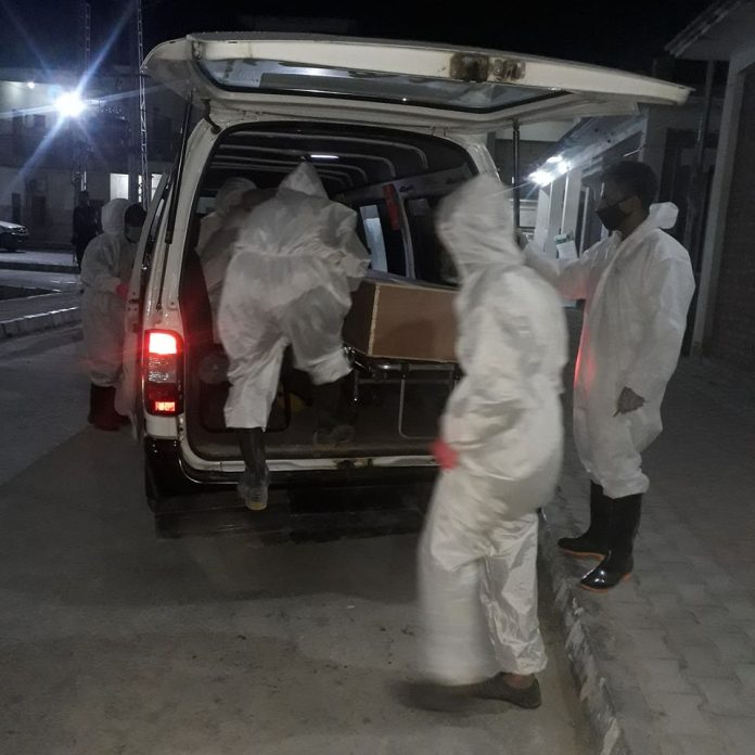 Pakistan reports 67 more deaths as coronavirus cases surge to 98,943