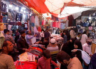 Three markets sealed in Karachi over violation of COVID-19 SOPs