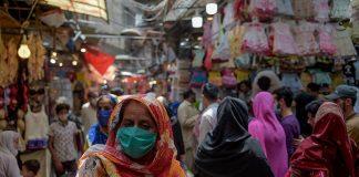 Govt decides to shut big markets across Pakistan to contain COVID-19