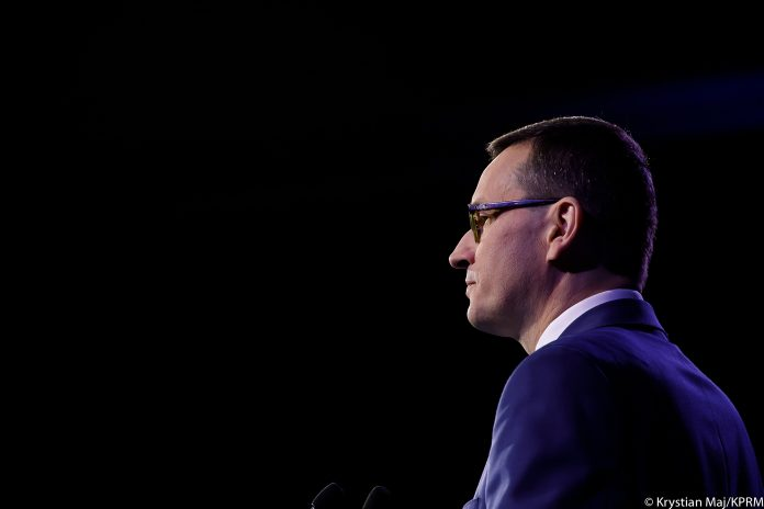 Polish PM stresses on reliable 5G partners to guard against cybercriminals