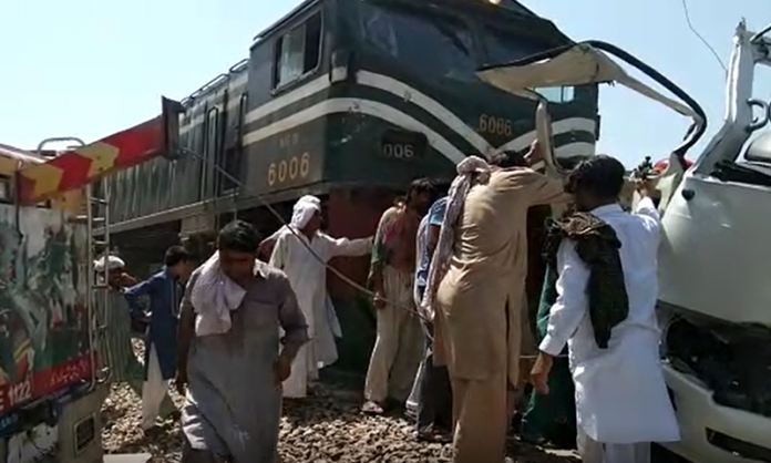 Coaster driver declared responsible for Sheikhupura train accident