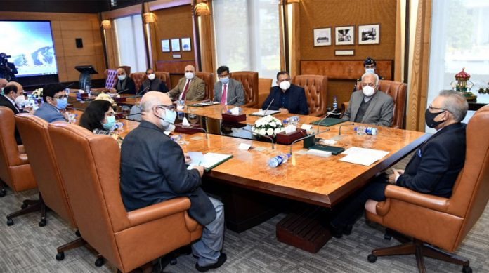 Dr. Arif Alvi lauds role of SCCI for establishing country's first private aviation facility